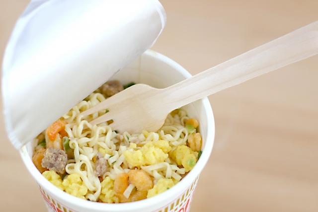 カップ麺は朝に食べなさい